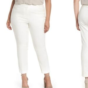 Vince Camutu Off-White Crop Pants O0286